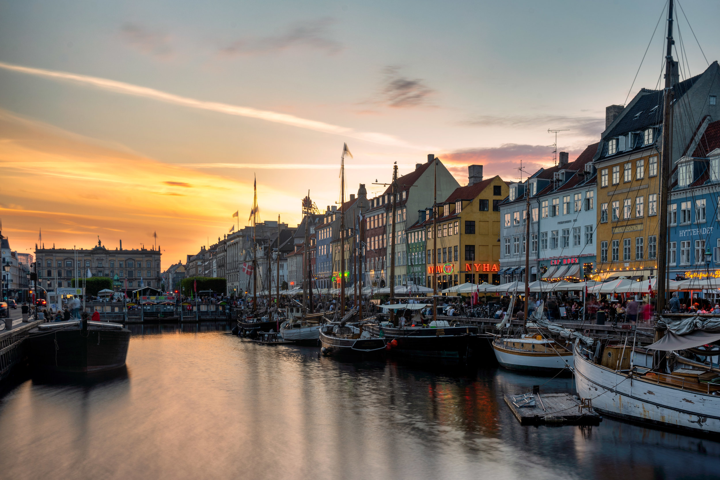 copenhagen. denmark. travel. adventure. europe. scandinavia. history. travelblog. classic view of the city. nyhavn. sunset.jpg