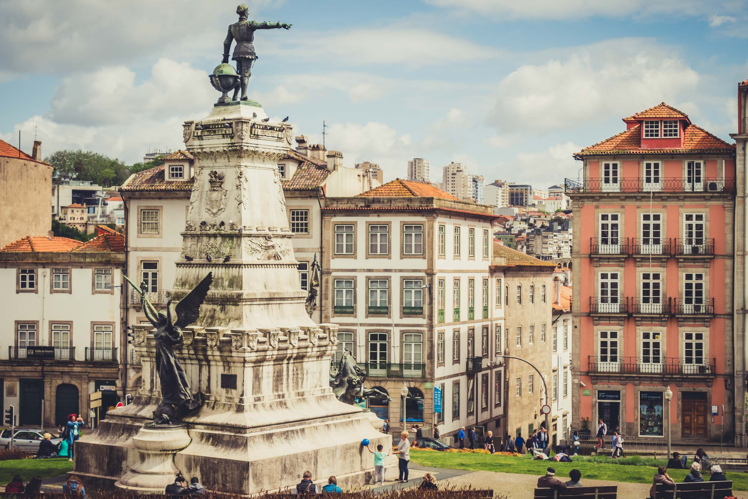 Porto. Portugal. Travel. City. poeple. wine. blog. travel blog. -21.jpg