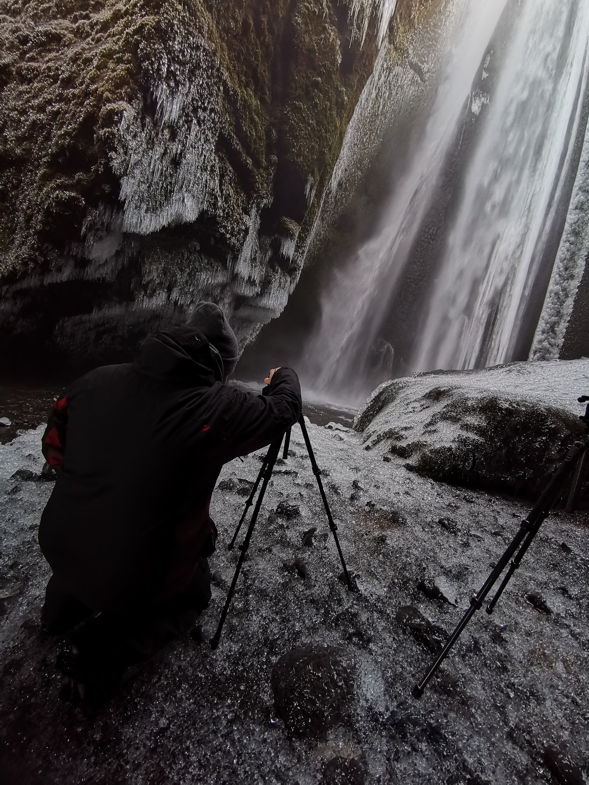 Iceland. snow. travel. adventure. photography. trip. epic landscape. snow. cold. freezing. sunrise. taking the shot.jpg