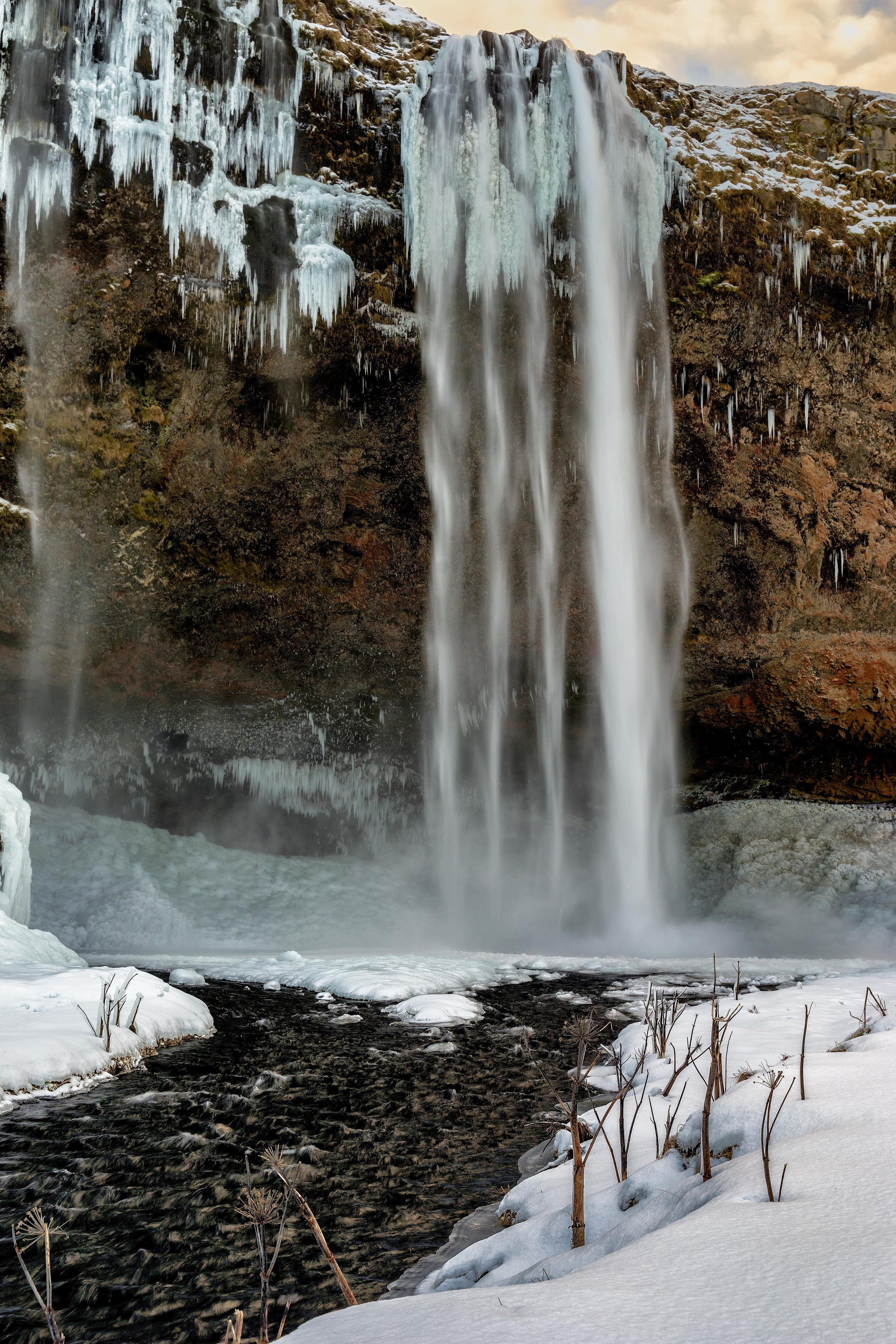 Iceland. snow. travel. adventure. photography. trip. epic landscape. snow. cold. freezing. sunrise. snow and ice. waterfall.jpg