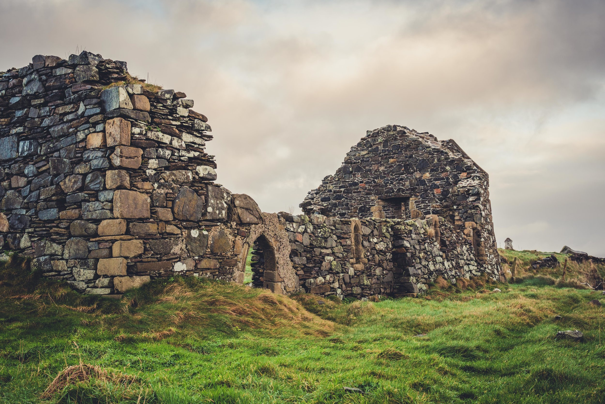 old church ruin in ireland