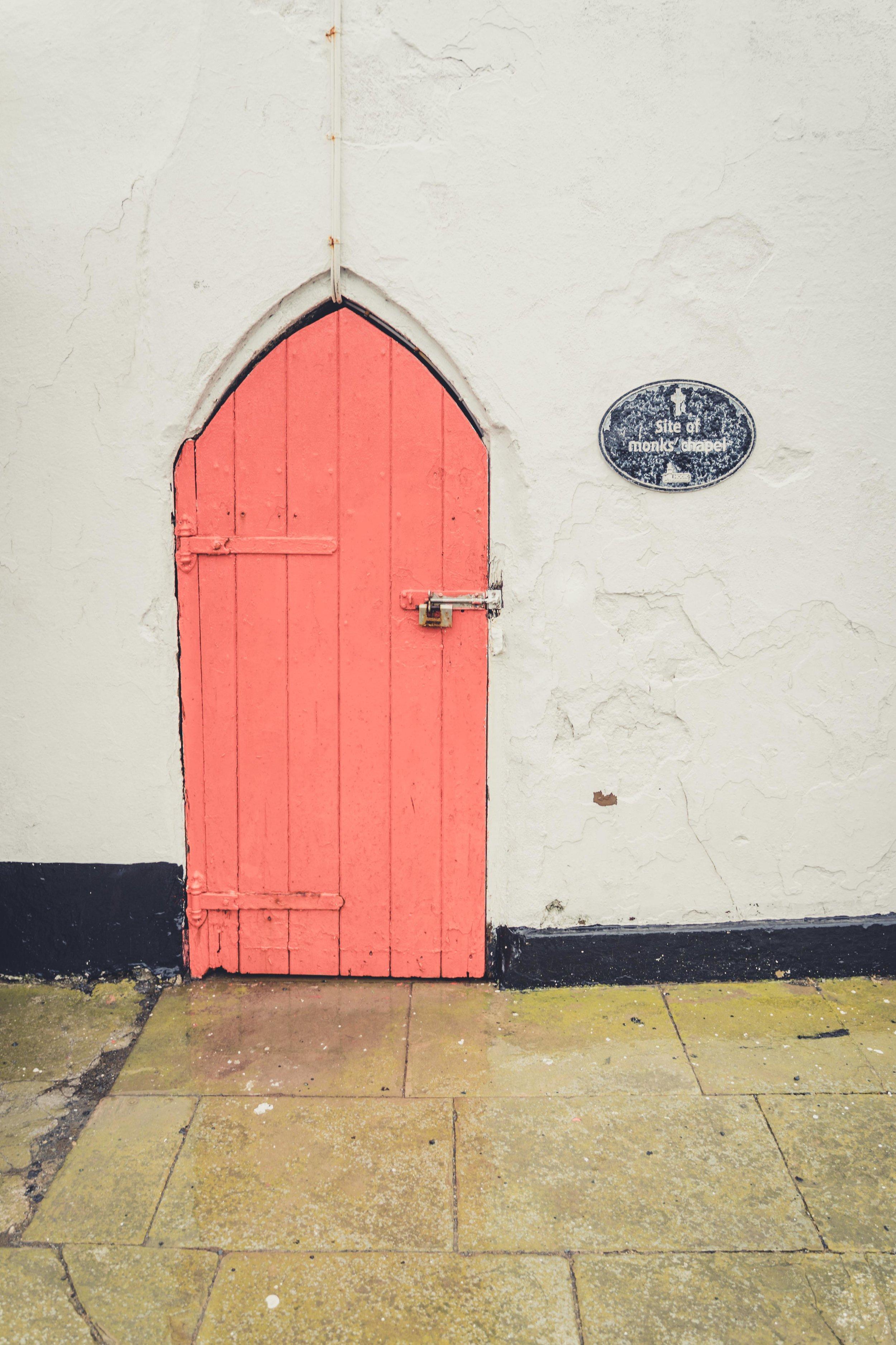 Hookhead Lighthouse wexford ireland chapel.jpg