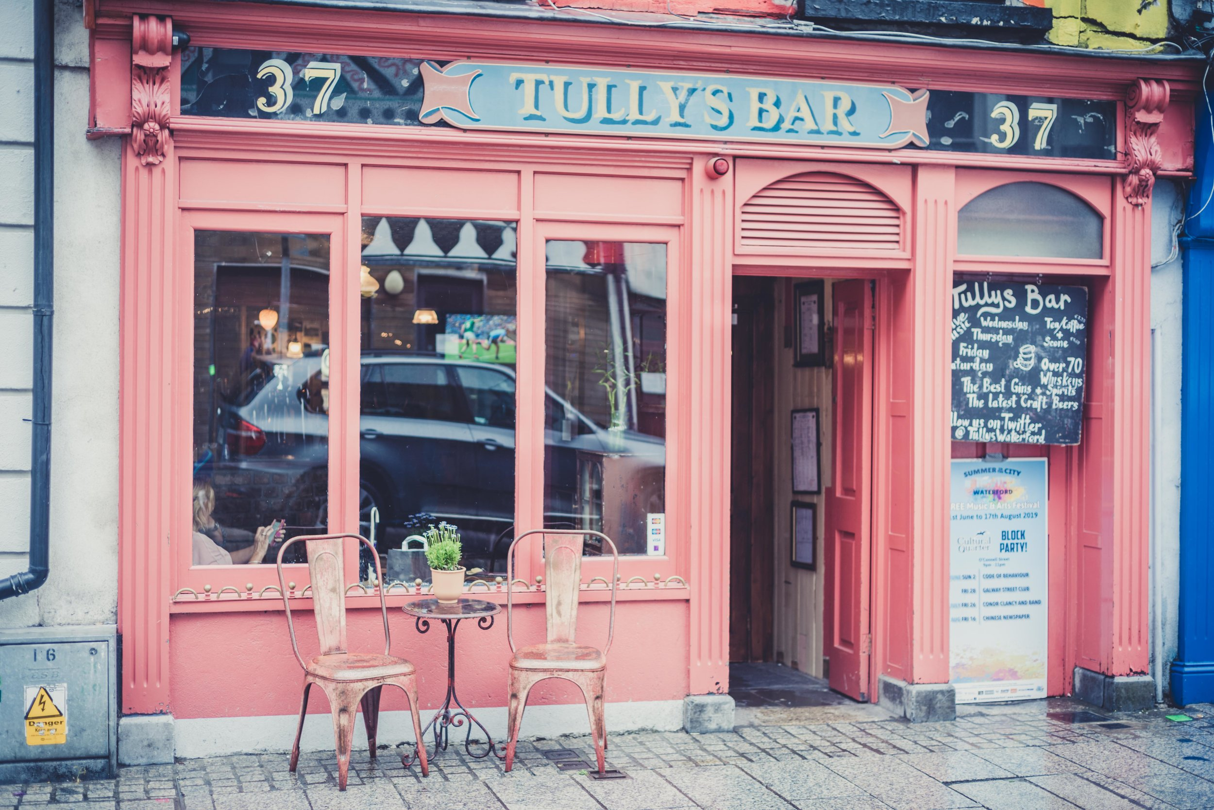 Tullys bar waterford ireland front.jpg