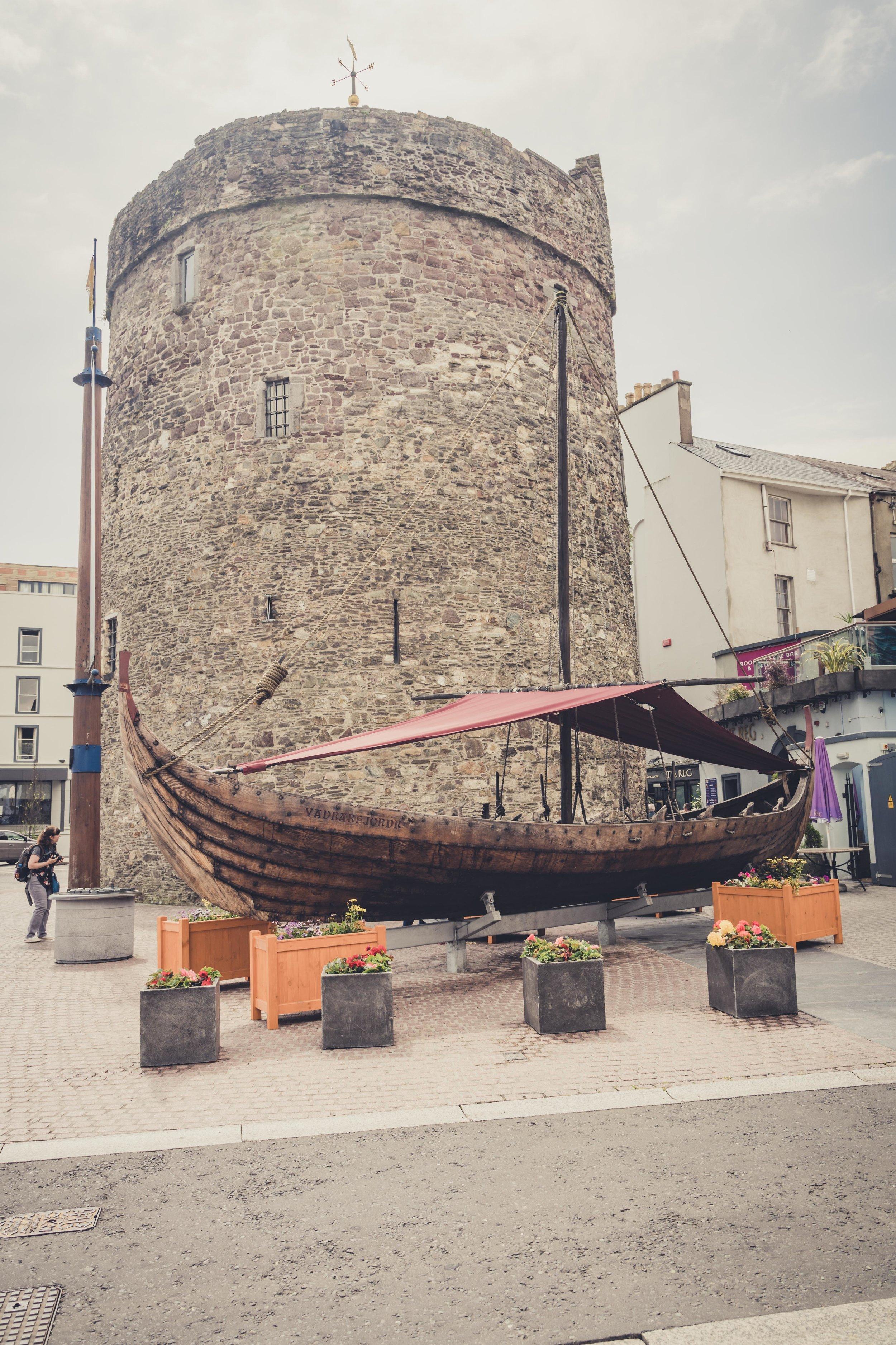 Reginald's Tower waterford ireland.jpg