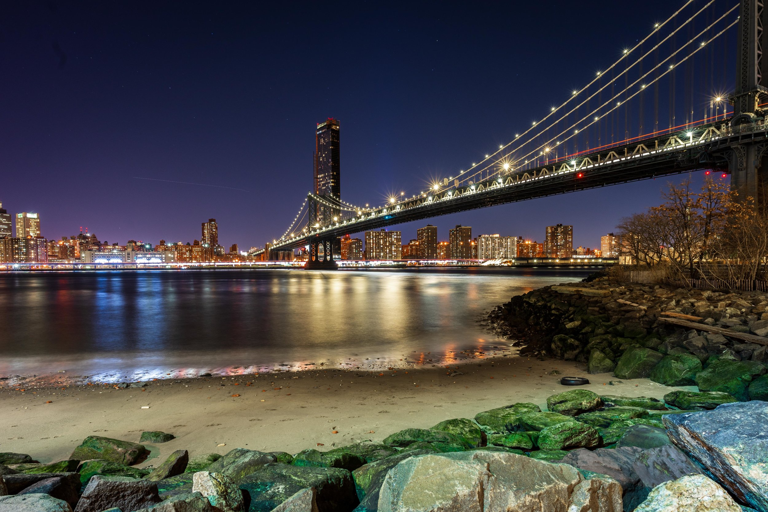 pebble beach new york Manhattan bridge.jpg