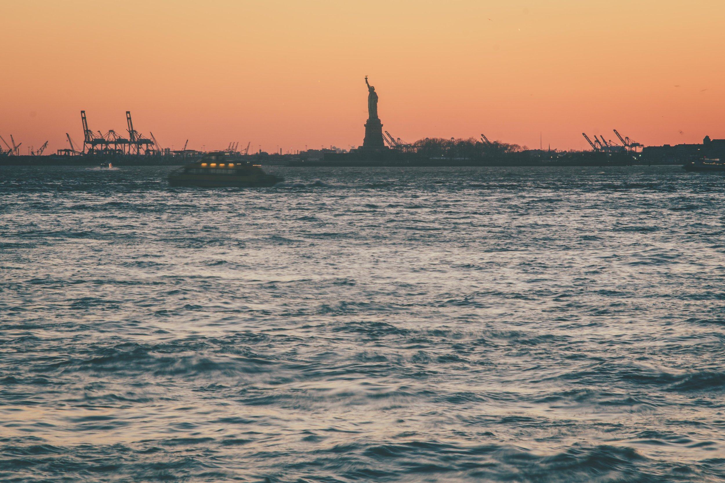 statue of liberty new york,.jpg