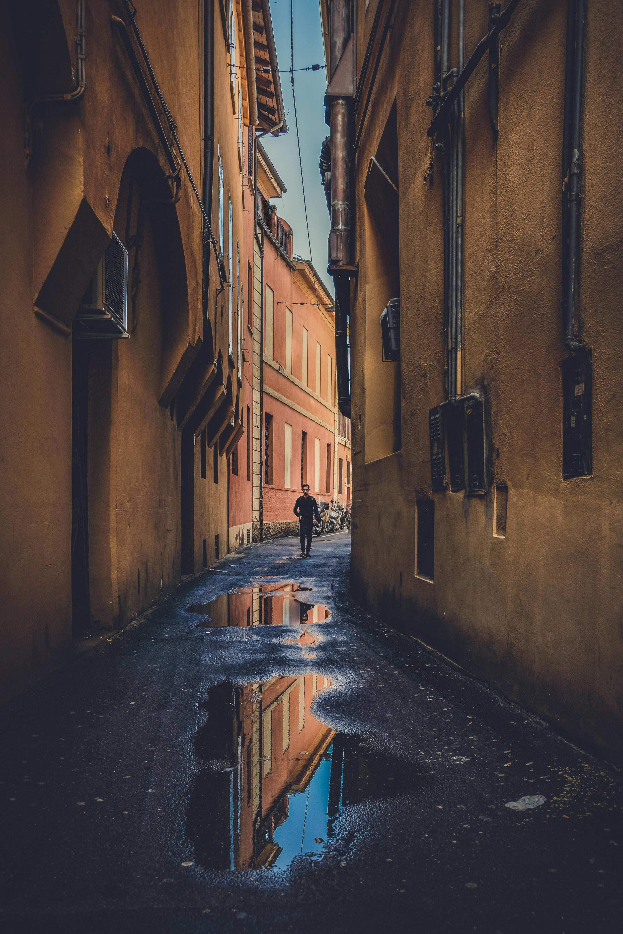 street photography in bologna alleyway.jpg