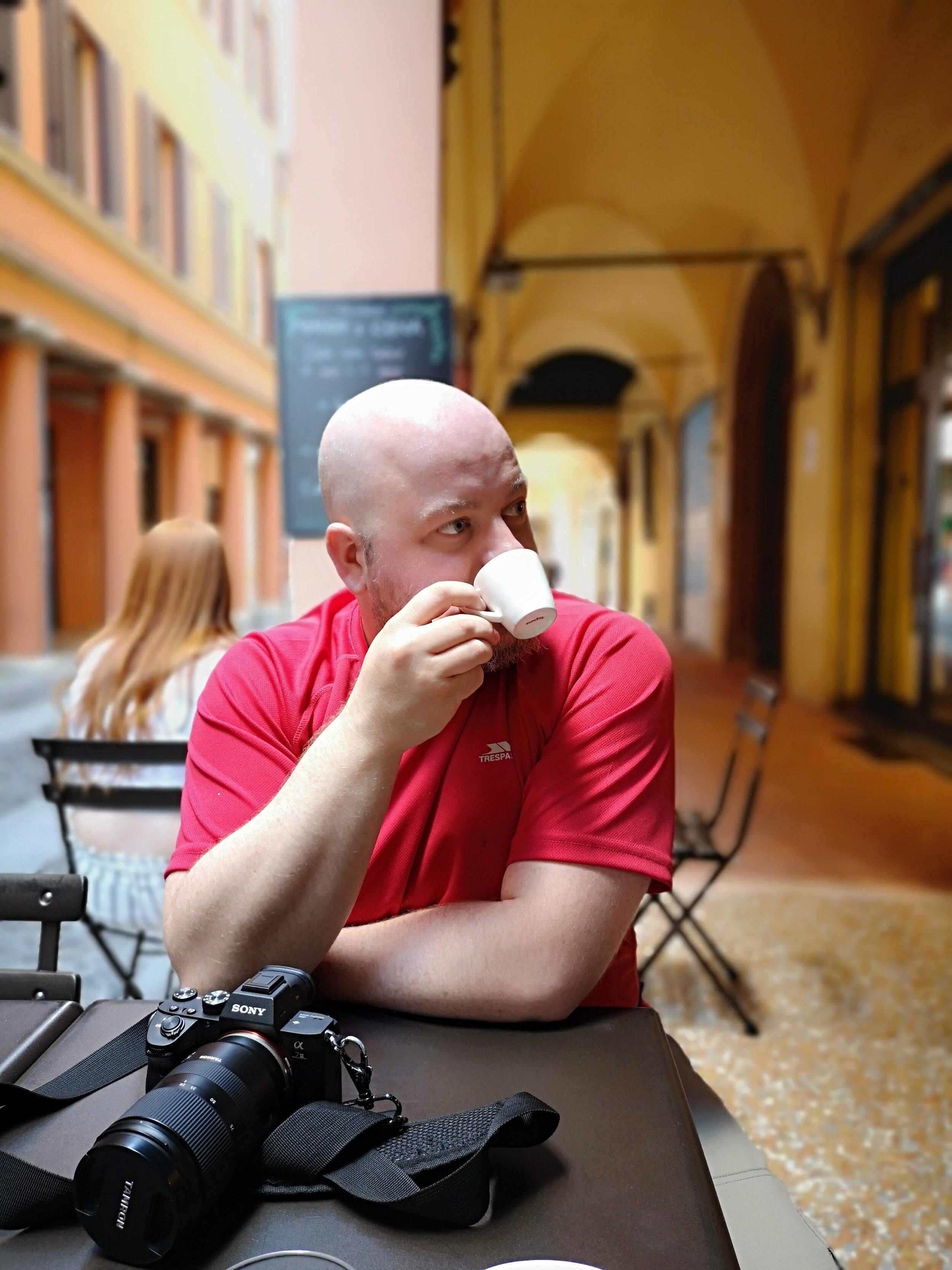 photographier enjoying coffee.jpg