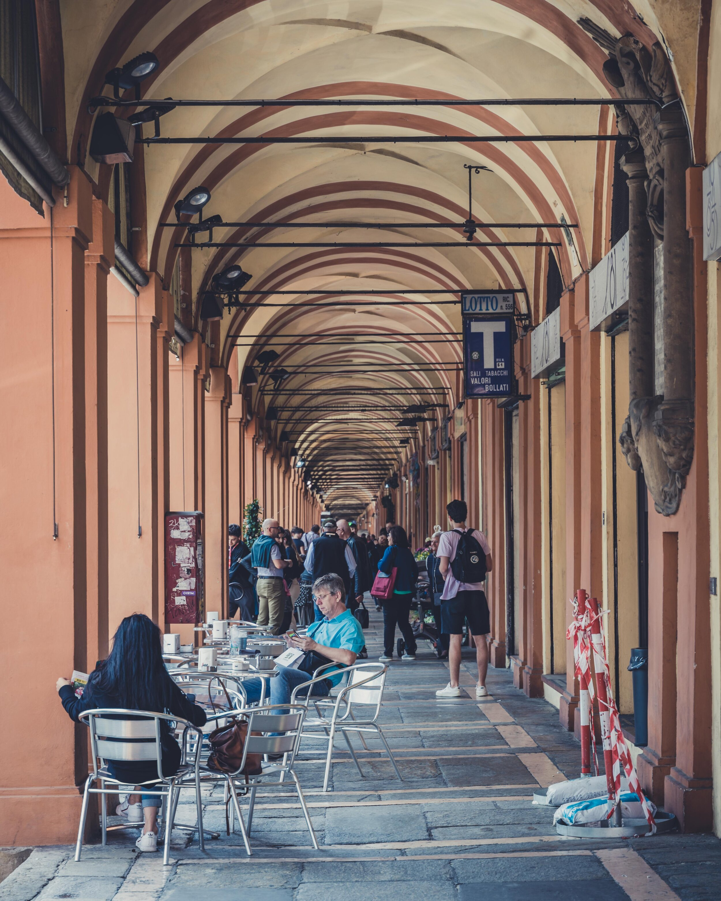 Porta Saragozza bologna path to san luqa.jpg