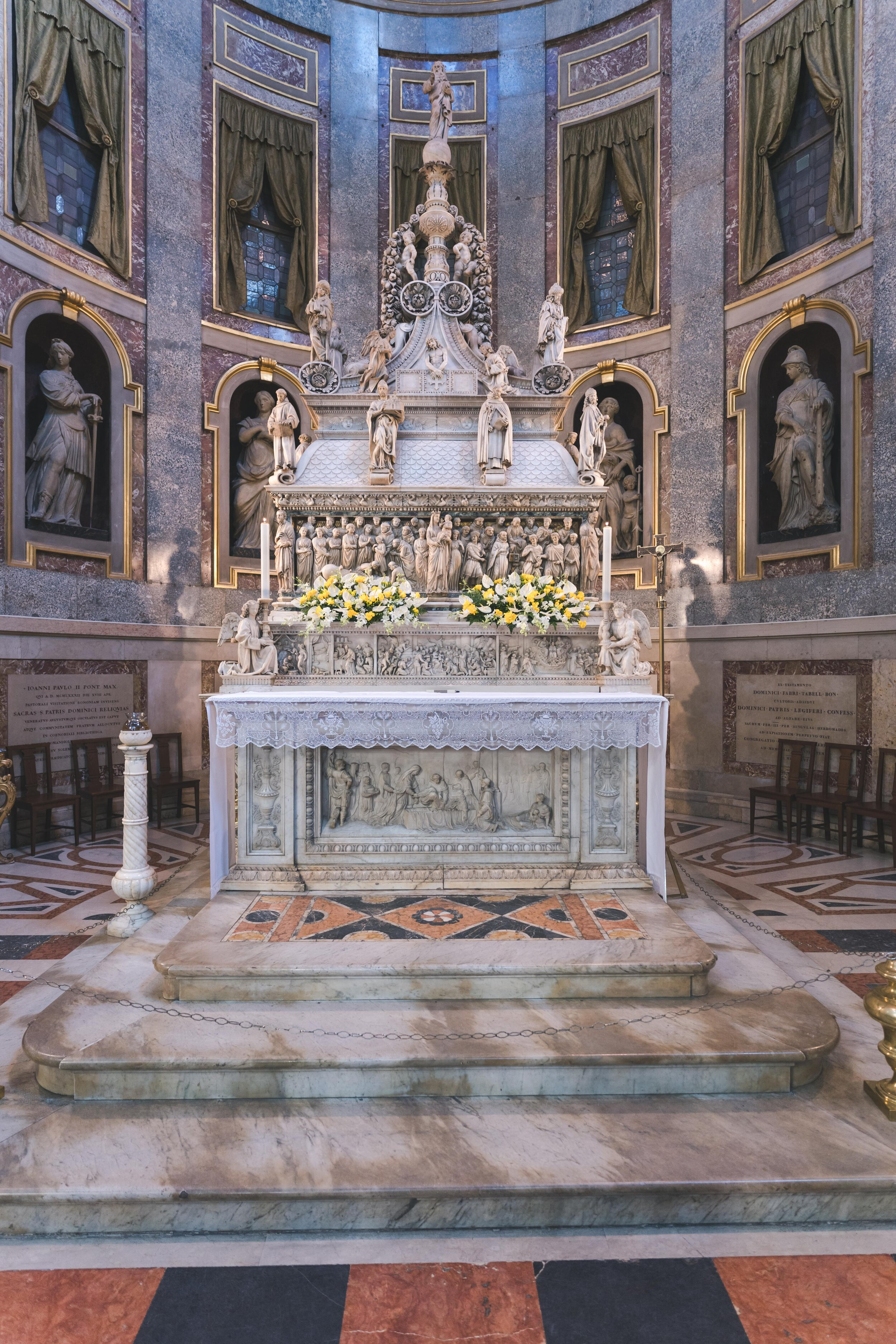 Basilica of San Domenico carved tomb.jpg