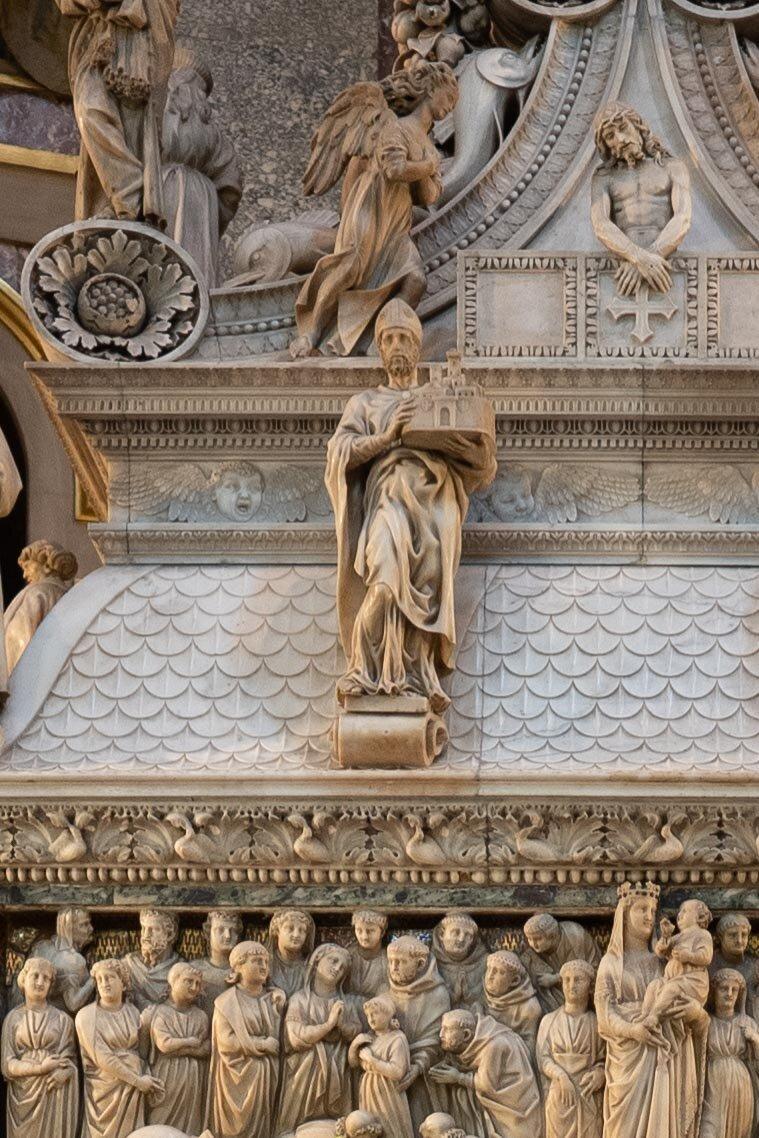 bologna st dominic michelangelo carvings..jpg