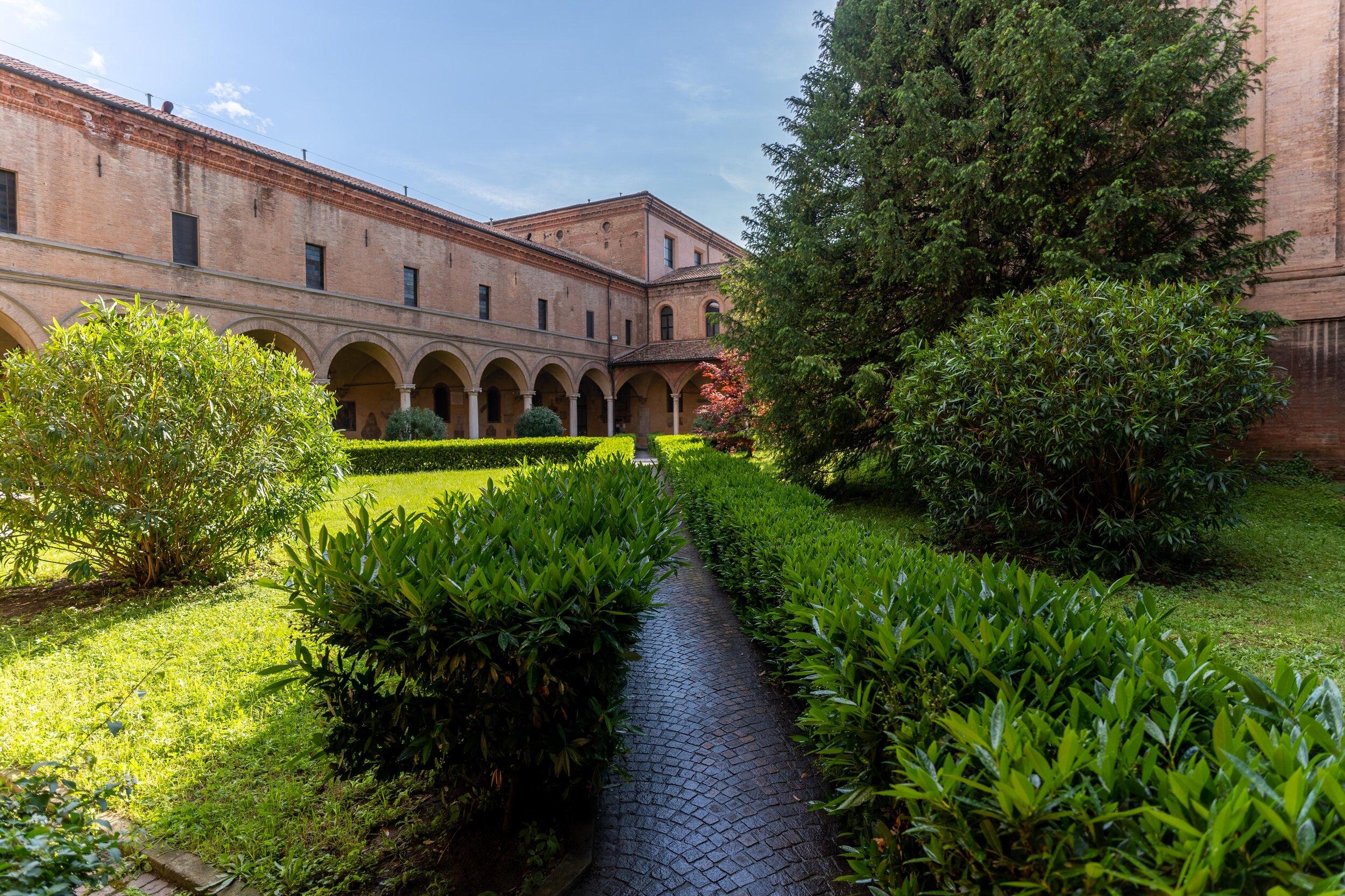 Basilica of San Domenico gardens.jpg