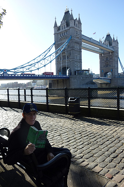 Geoff-besides-the-Tower-Of-London.jpg