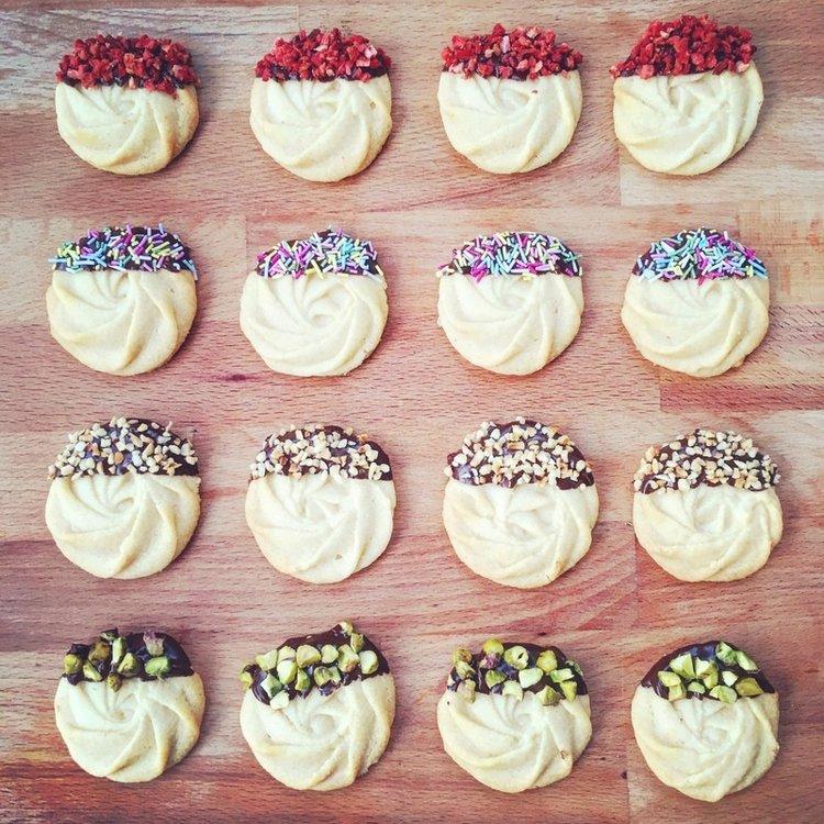 Biscuits & Cookies -