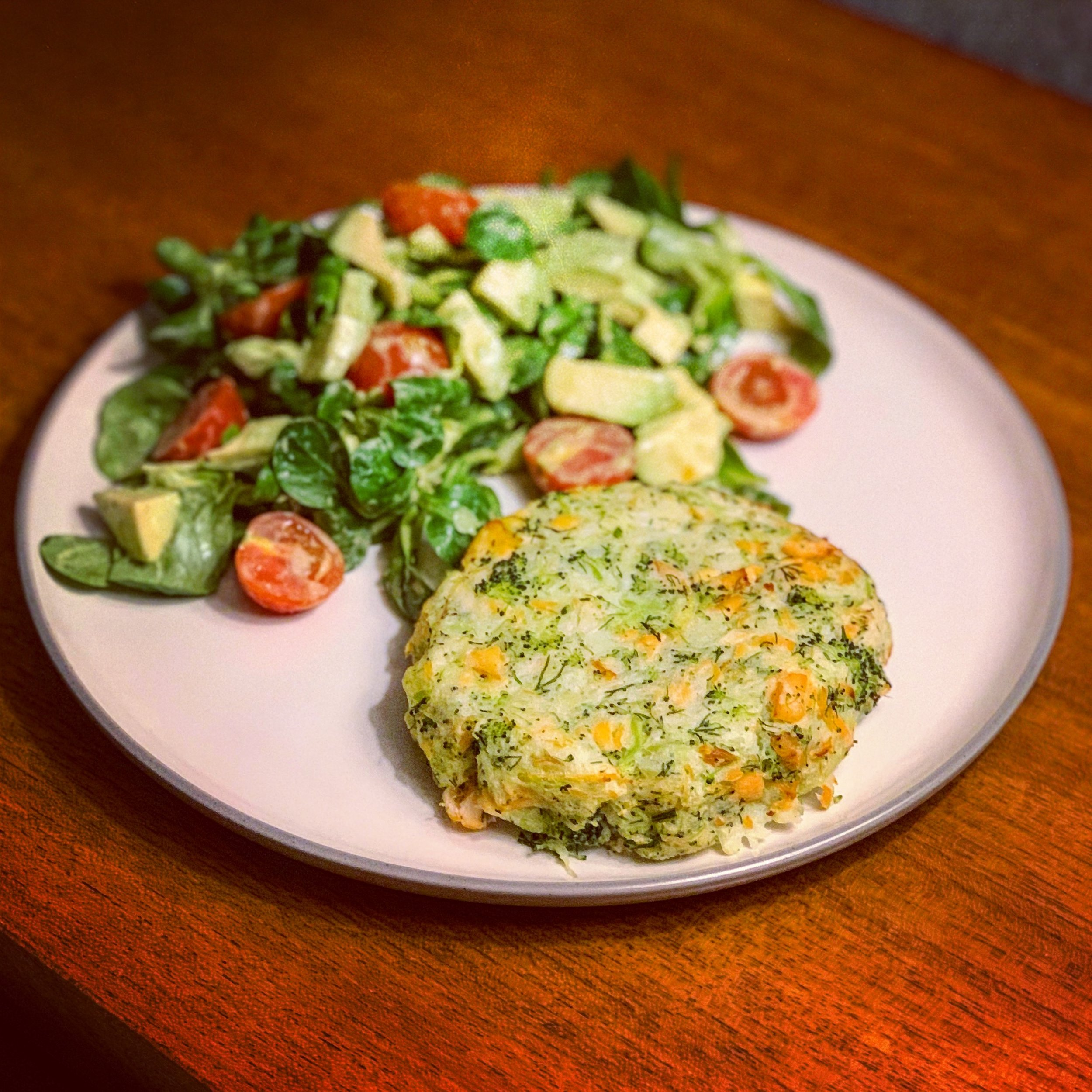 Salmon and Broccoli Cakes