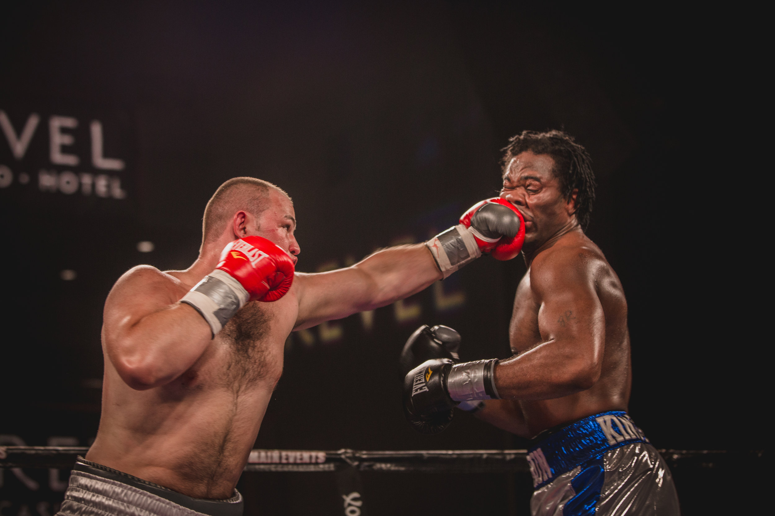 Adam Kownacki vs C.Ellis - photography by Sylwek Wosko (35).jpg