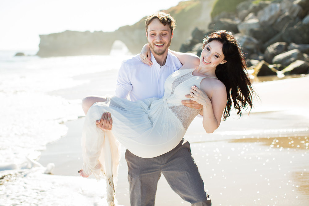 What to Wear for Your Engagement Photo Session