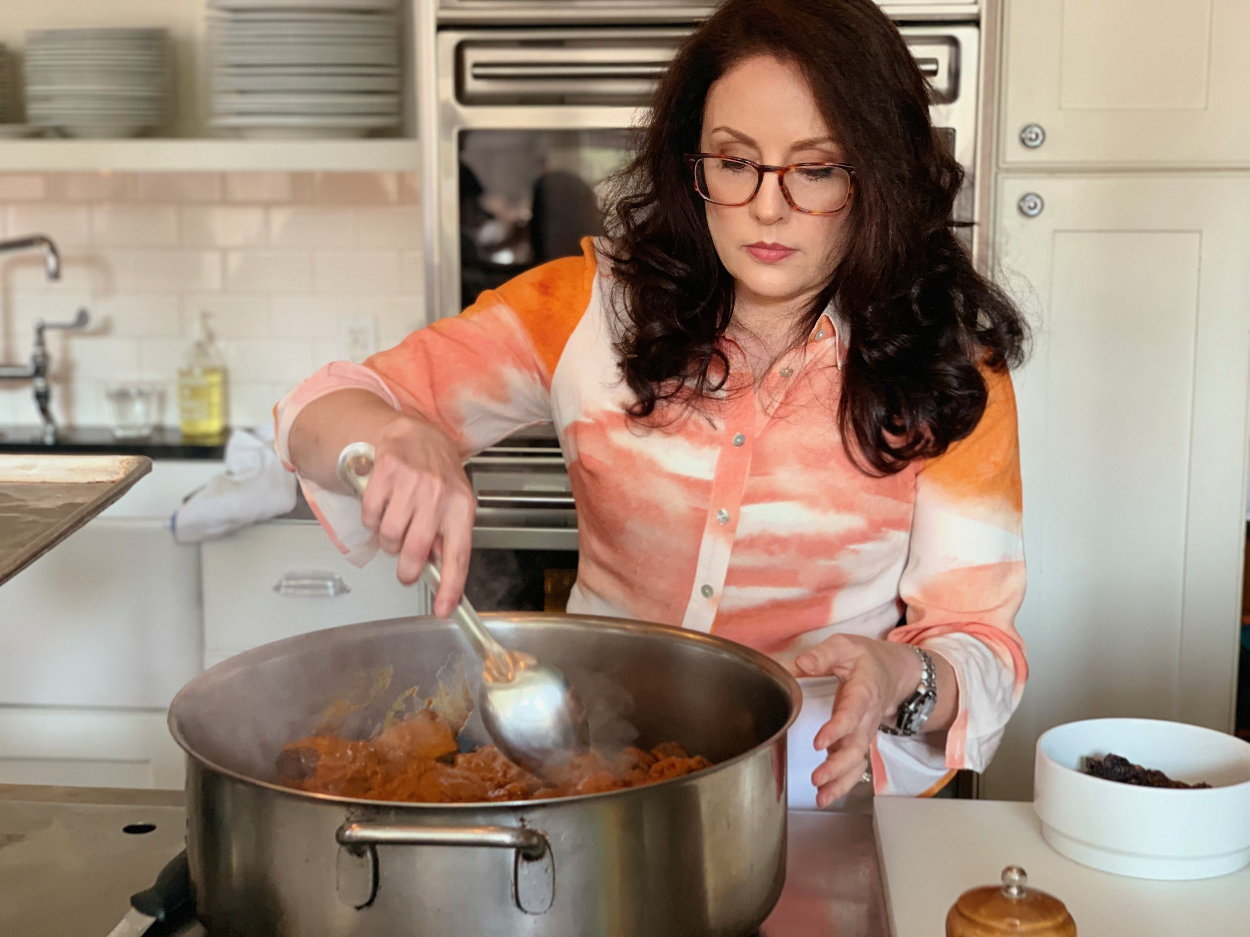 Image of cookbook author Tracey Medeiros.