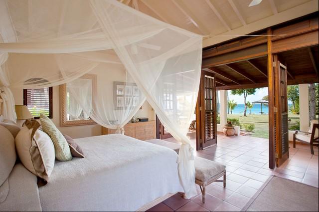 tropical-bedroom bed canopy.jpg