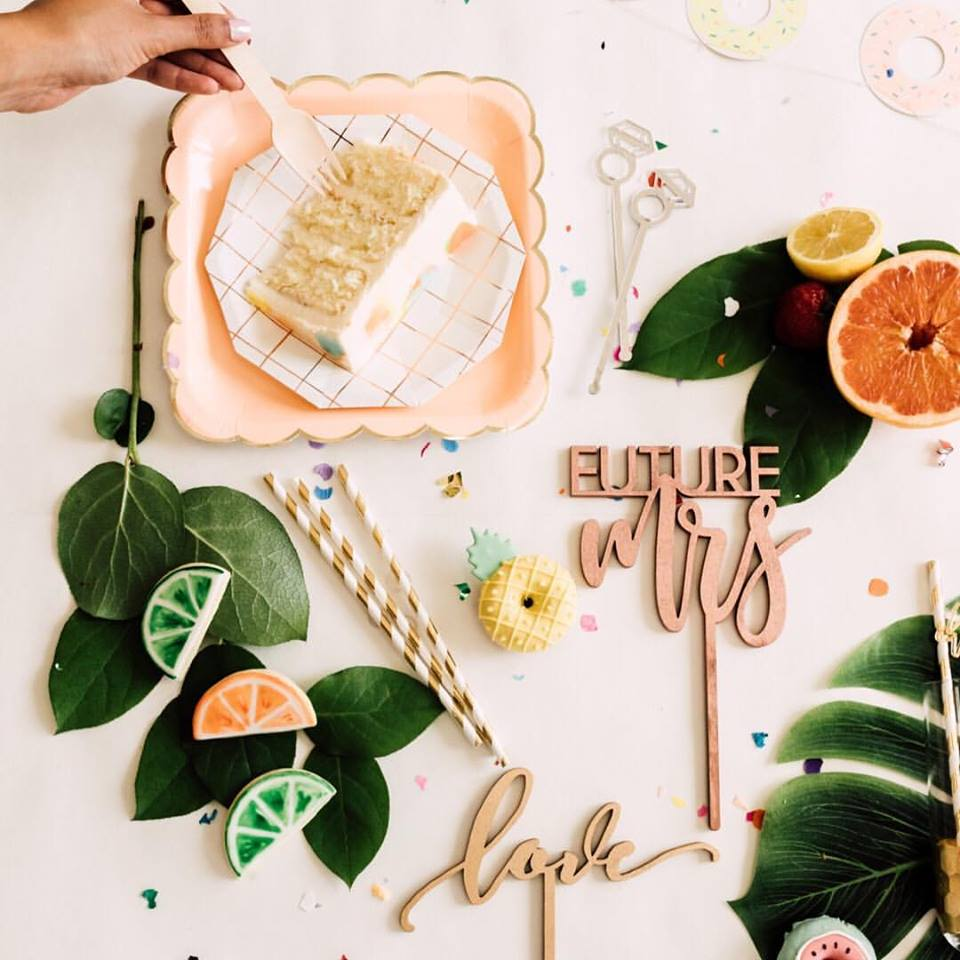 wedding-table-cake-toppers.jpg