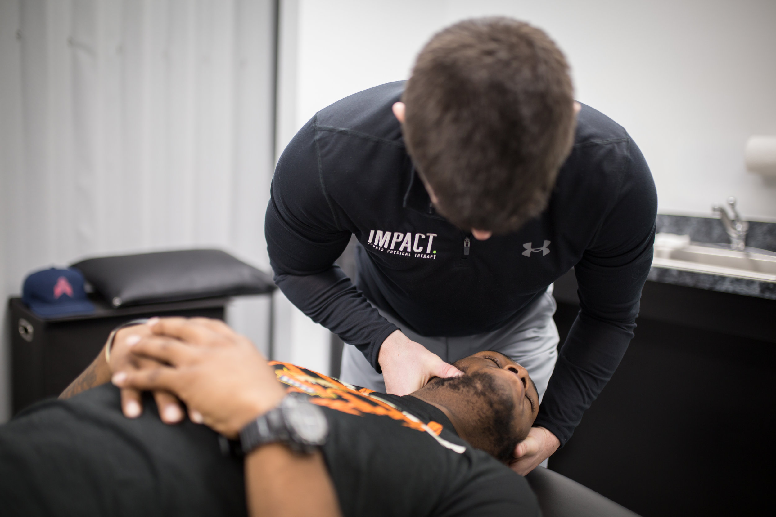 neck pain, back pain, spinal manipulation, manual therapy, Baltimore physical therapy, Elkridge physical therapy, Columbia md physical therapy