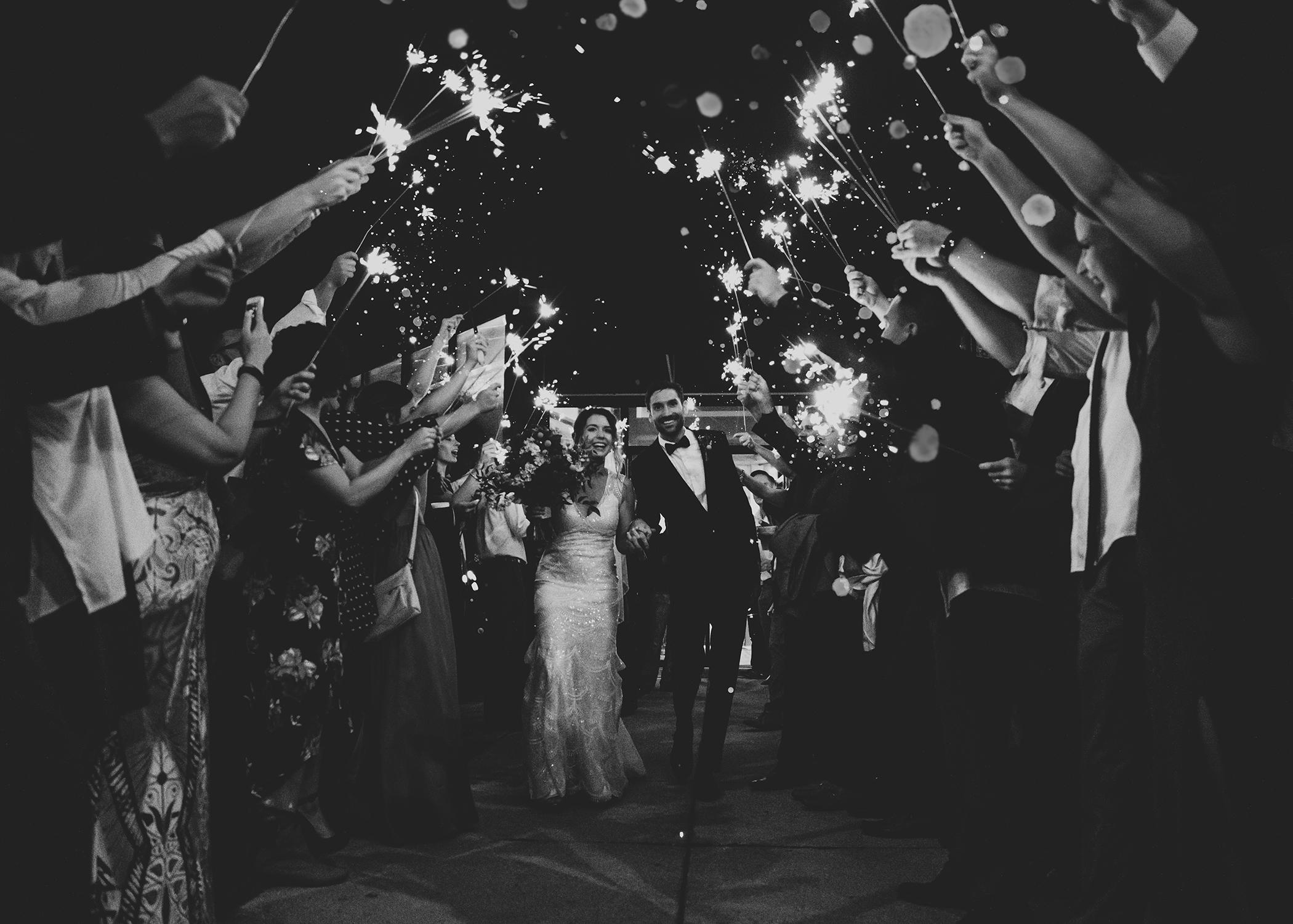 Sparkler exit wedding fort wayne Indiana Photographer Hannah Bergman Photography