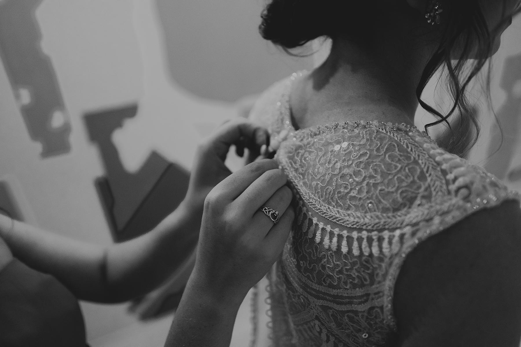 wedding dress wedding photographer indiana fort wayne hannah bergman photography