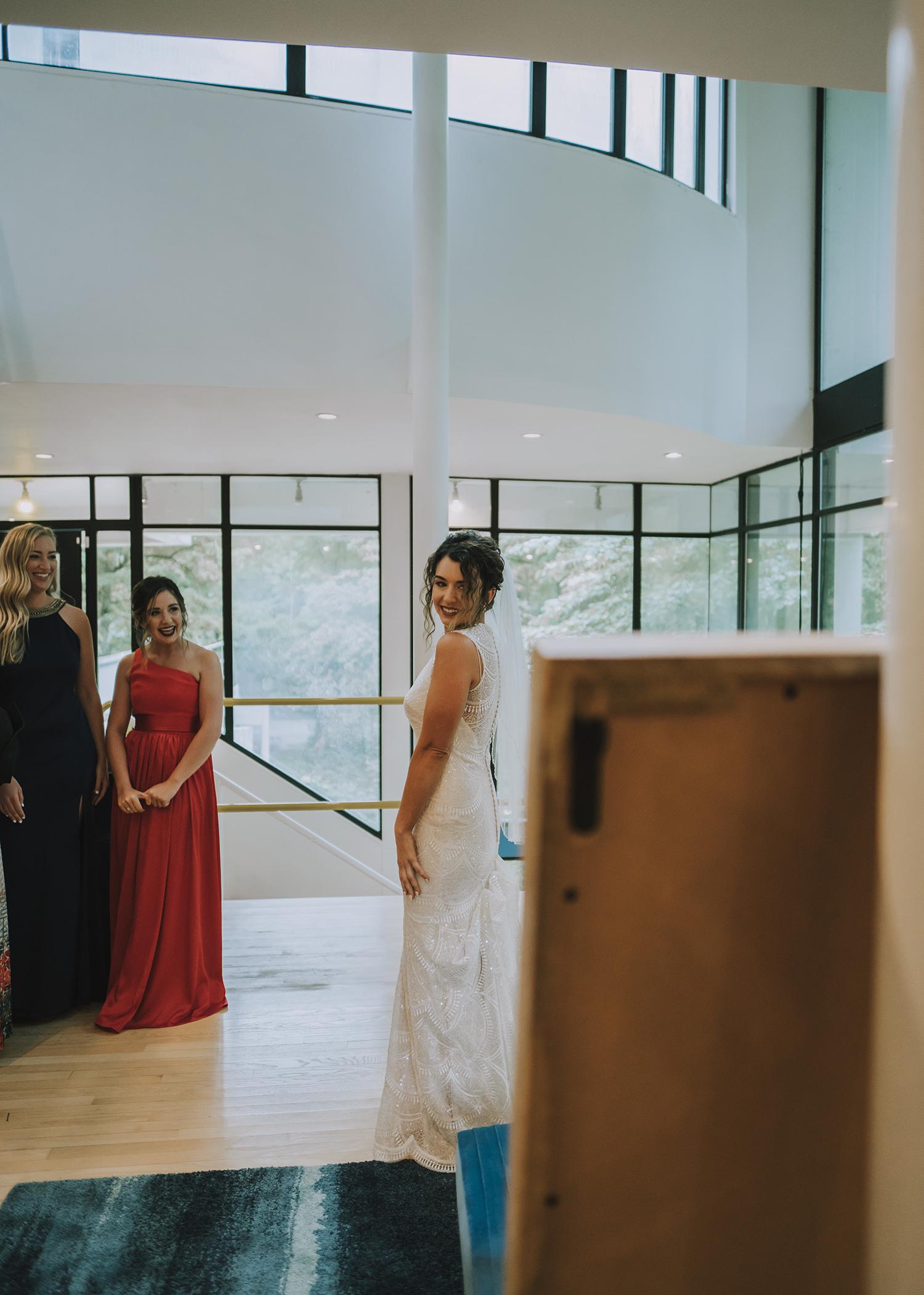 Indianapolis wedding photographer hannah bergman photography wedding dress