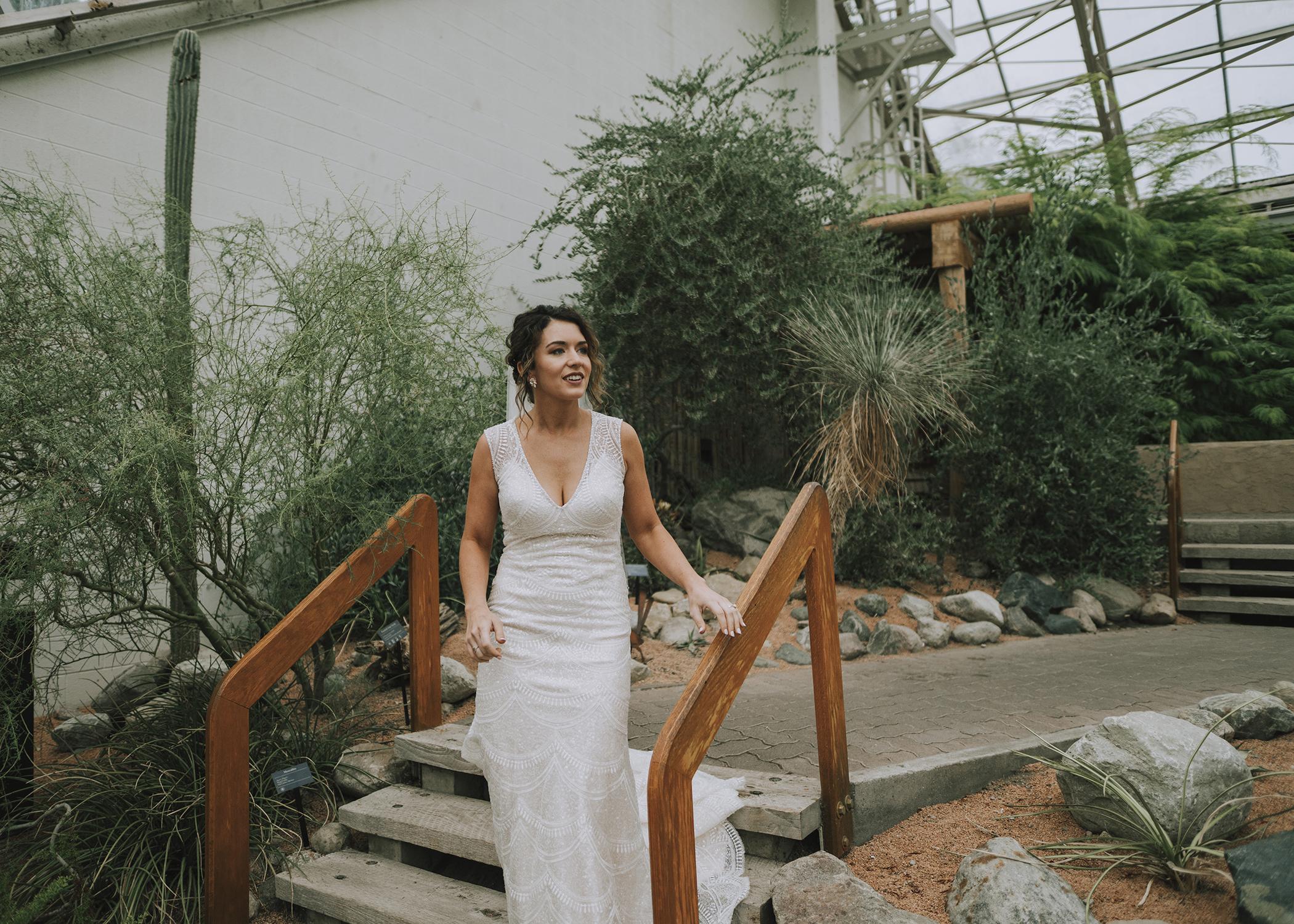wedding dress bride hannah bergman photography indianapolis Foellinger-Freimann Botanical Conservatory