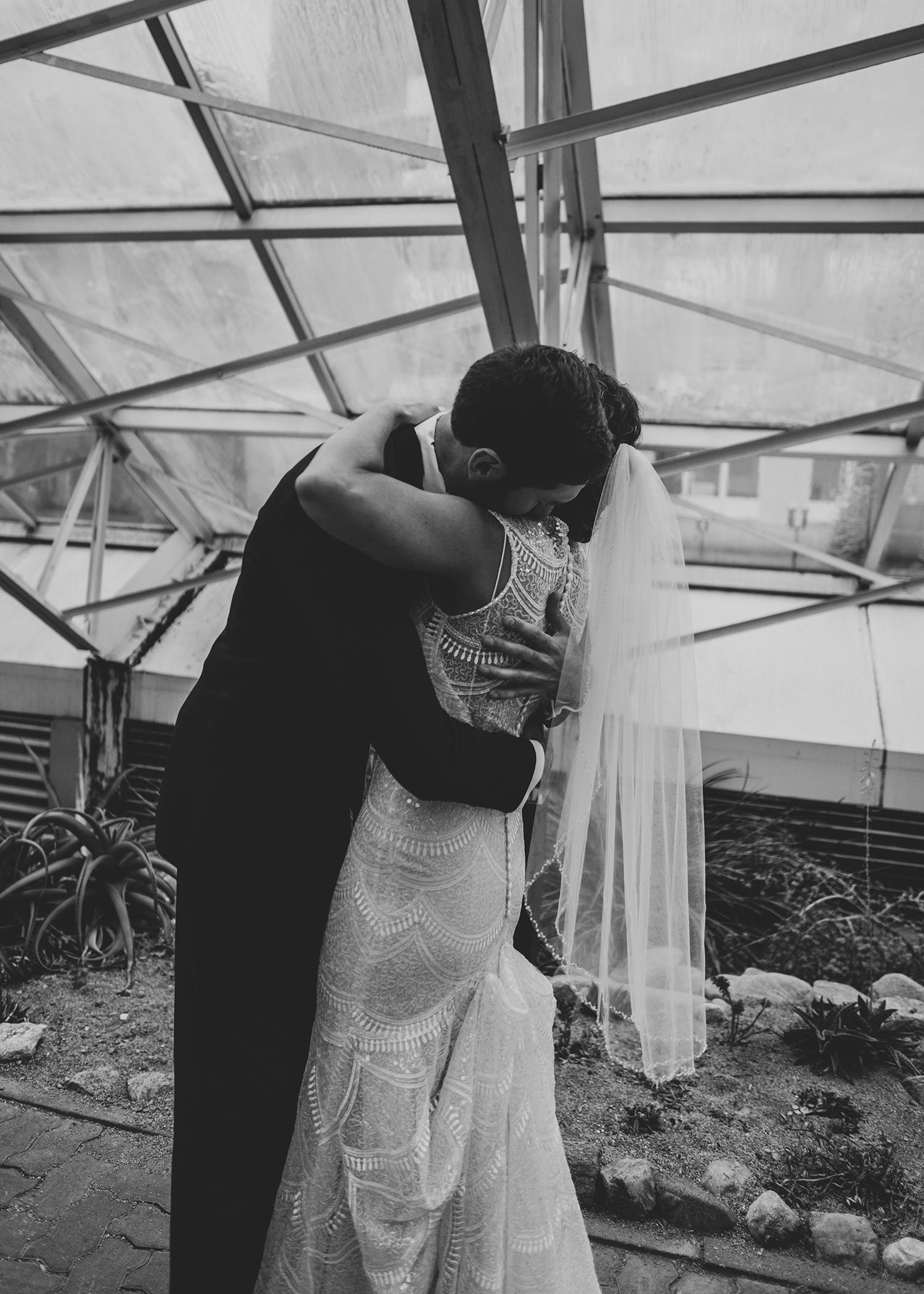 wedding dress wedding photography Foellinger-Freimann Botanical Conservatory indianapolis indiana hannah bergman Photography