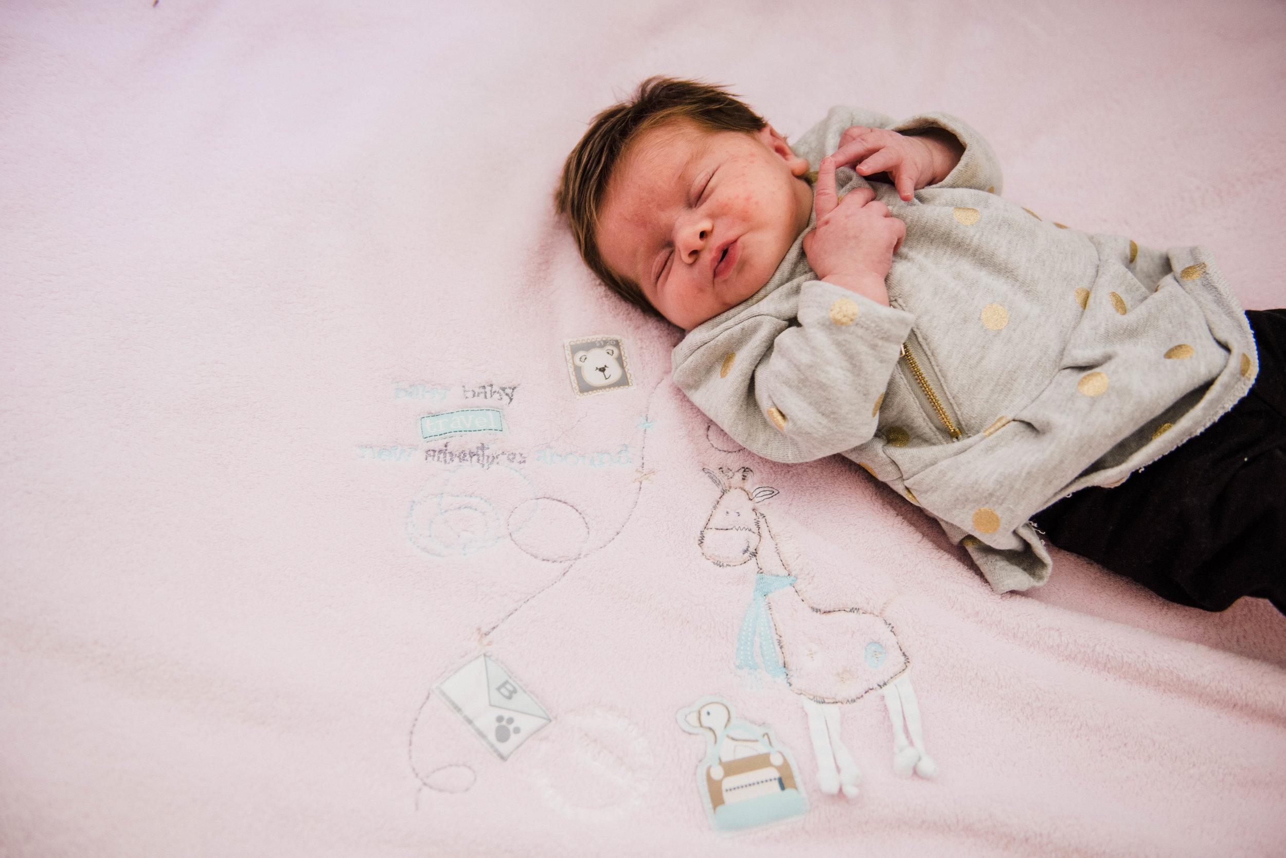 C&R - Newborn-133.jpg