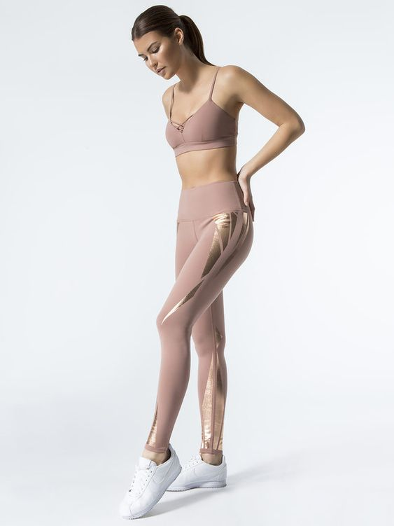 FACET PRINT - ALO YOGA- HOLIDAY 17ENGINEERED FOIL PRINT