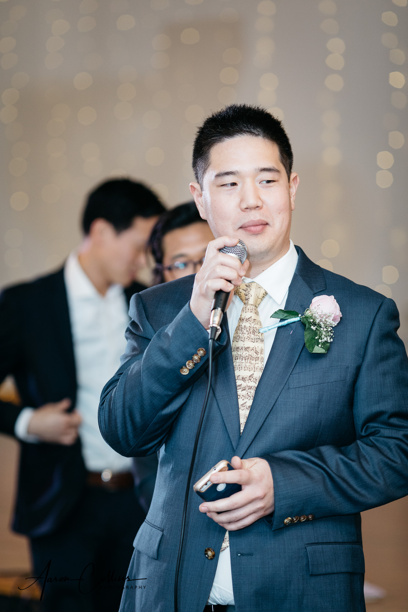 Best man gives a toast at the reception
