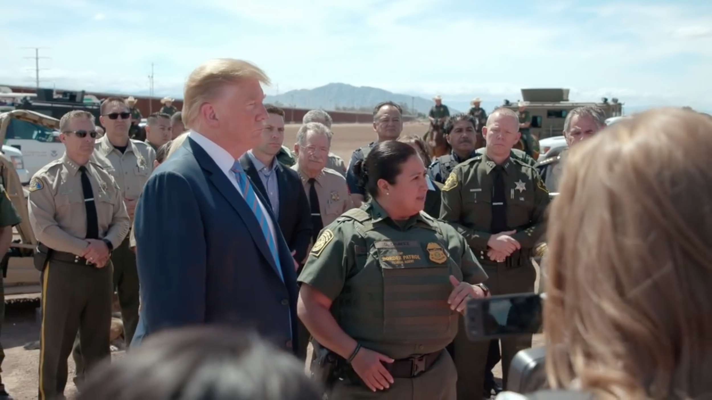 ( The White House on YouTube ) President Trump Visits the Border Wall in Calexico, California