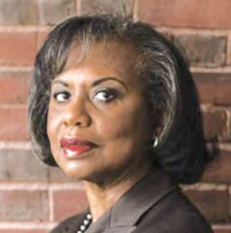Edited crop taken from photo by Elizabeth D. Herman for The New York Times ( MSN ) Anita Hill's name was trending on Twitter on Thursday as many women said they supported her — and, by clear implication, not Joseph R. Biden Jr.