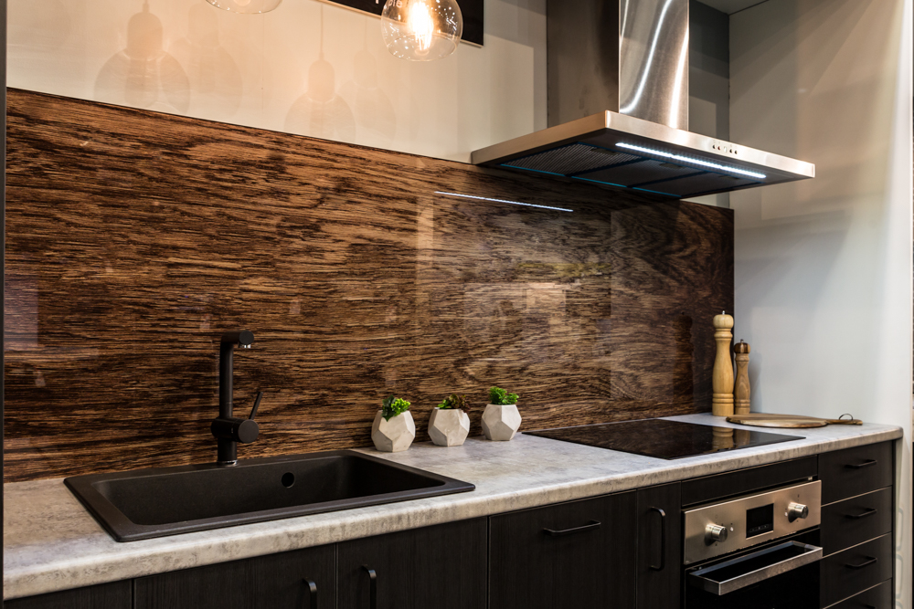 textural woodgrain printed glass splashback