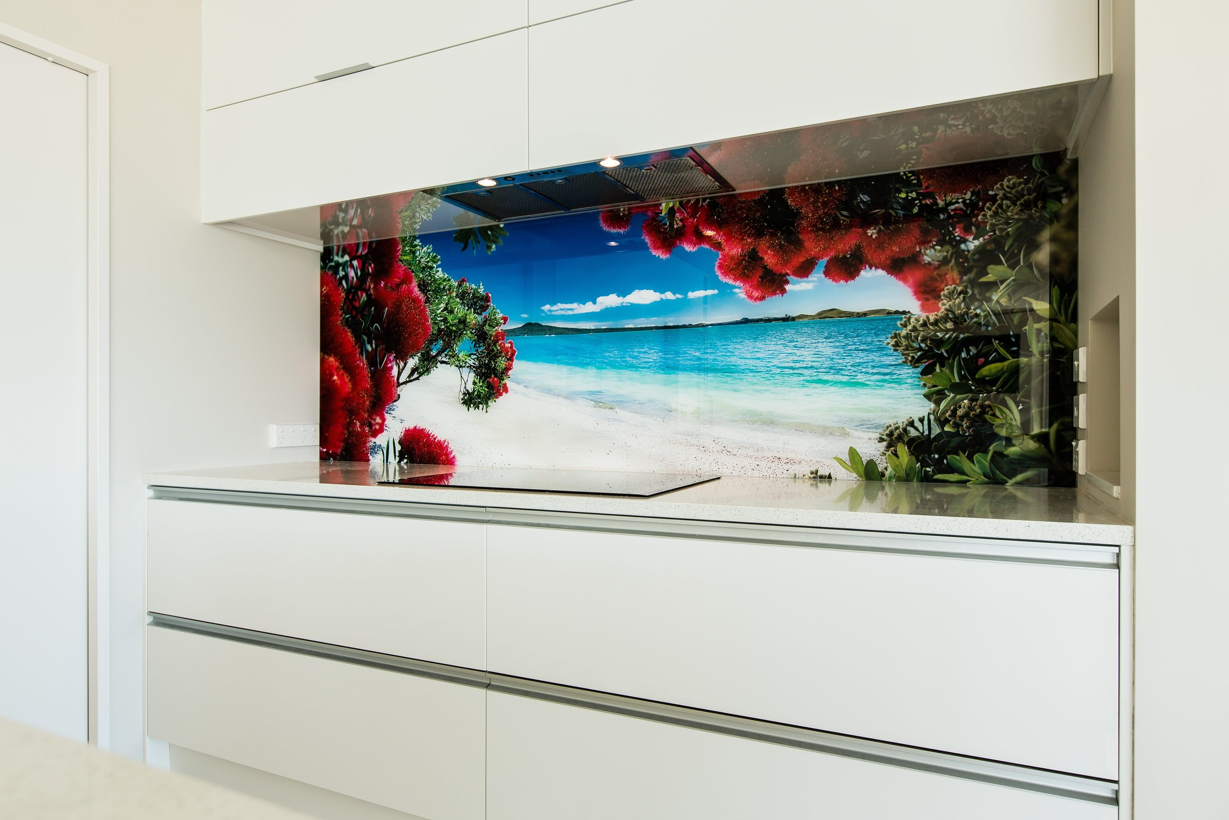 20 year guarantee for your coloured glass splashback