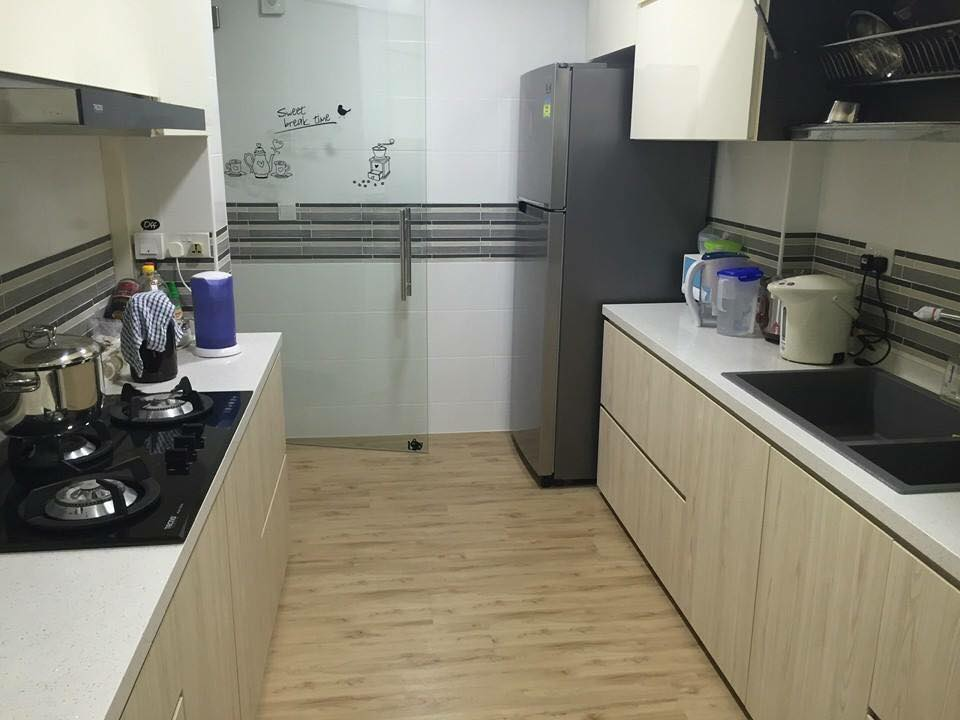 Kitchen using Premium Resilient Flooring (PRF) NBL 75 Country Maple