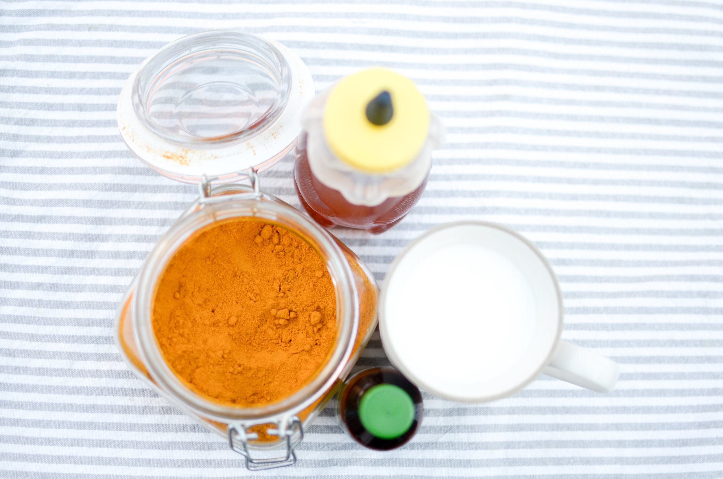 All you need for this drink is: 3.25% milk, turmeric, honey, and vanilla.