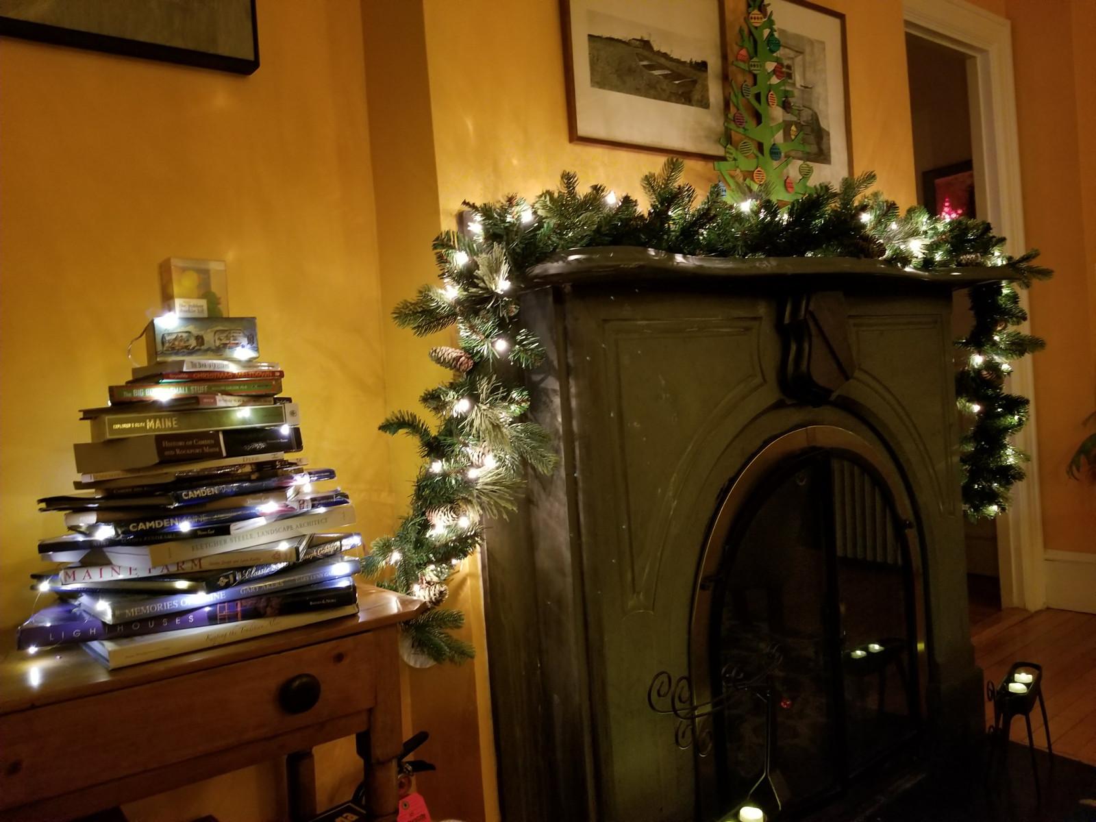 Camden Windward House Living Room at Christmas