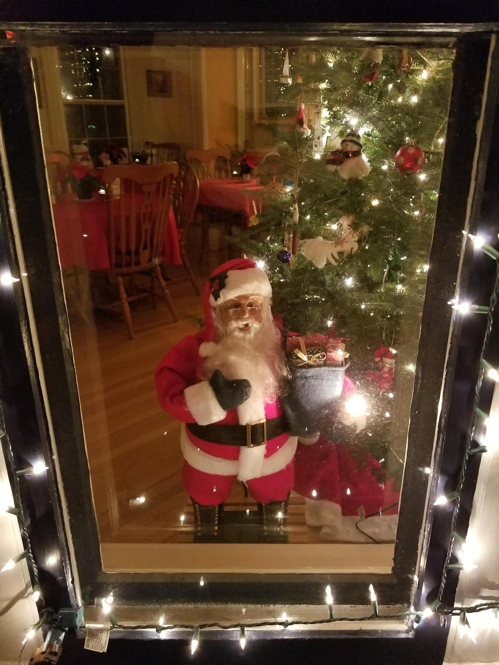 Santa Claus at Camden Windward House