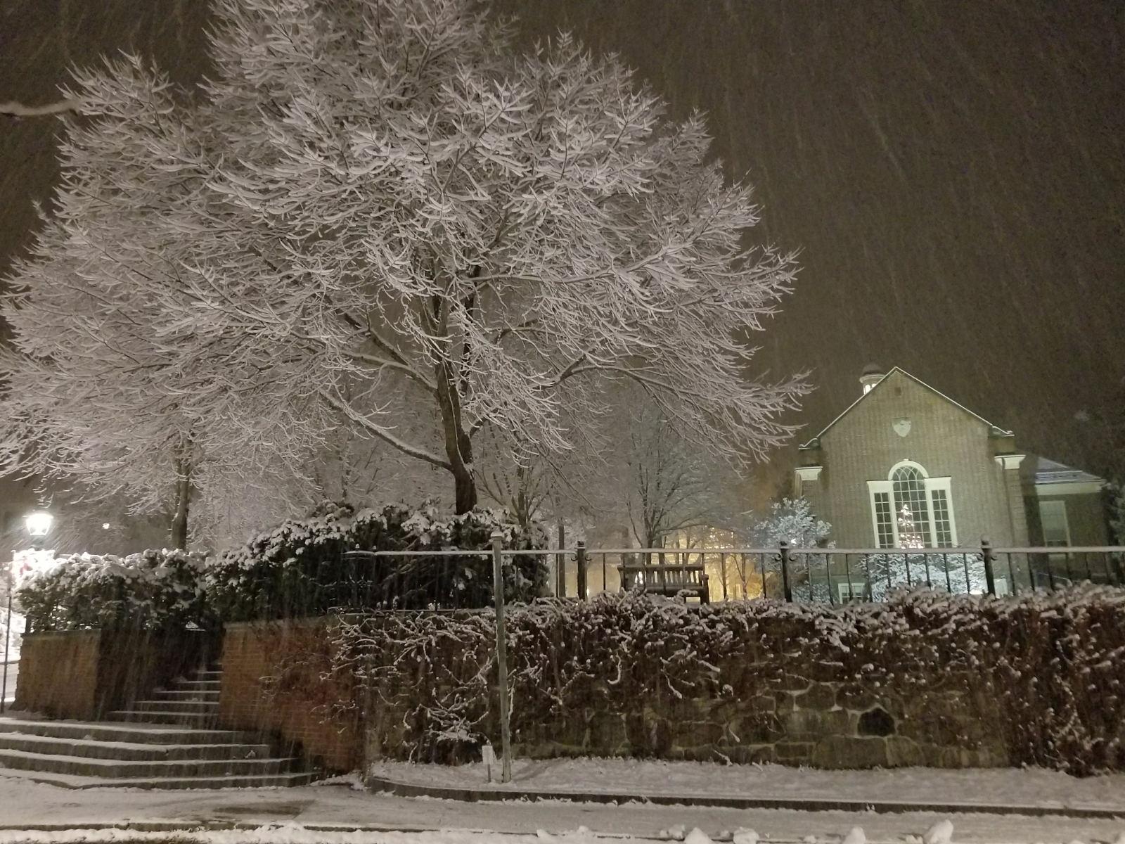 Snowy night in Camden