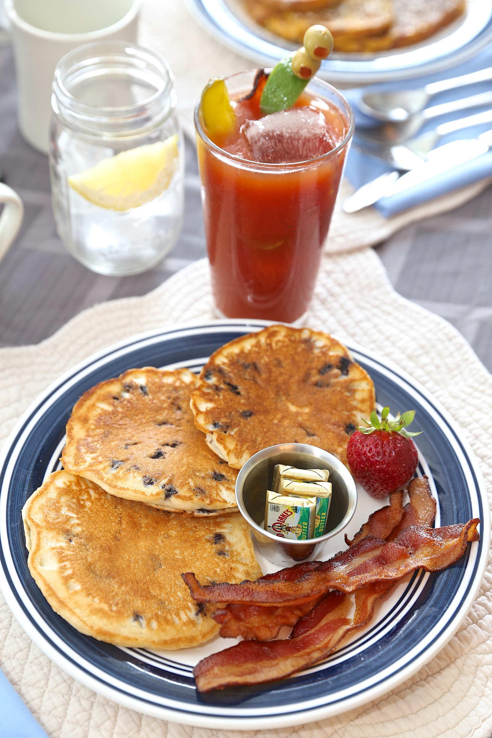 pancakes-bacon-bloody-mary-web.jpg