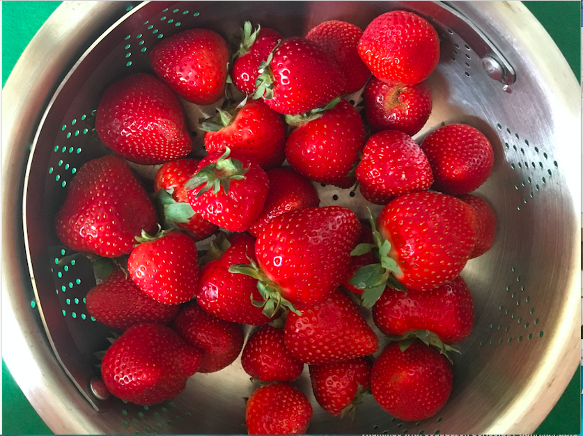 strawberries in bowl.png