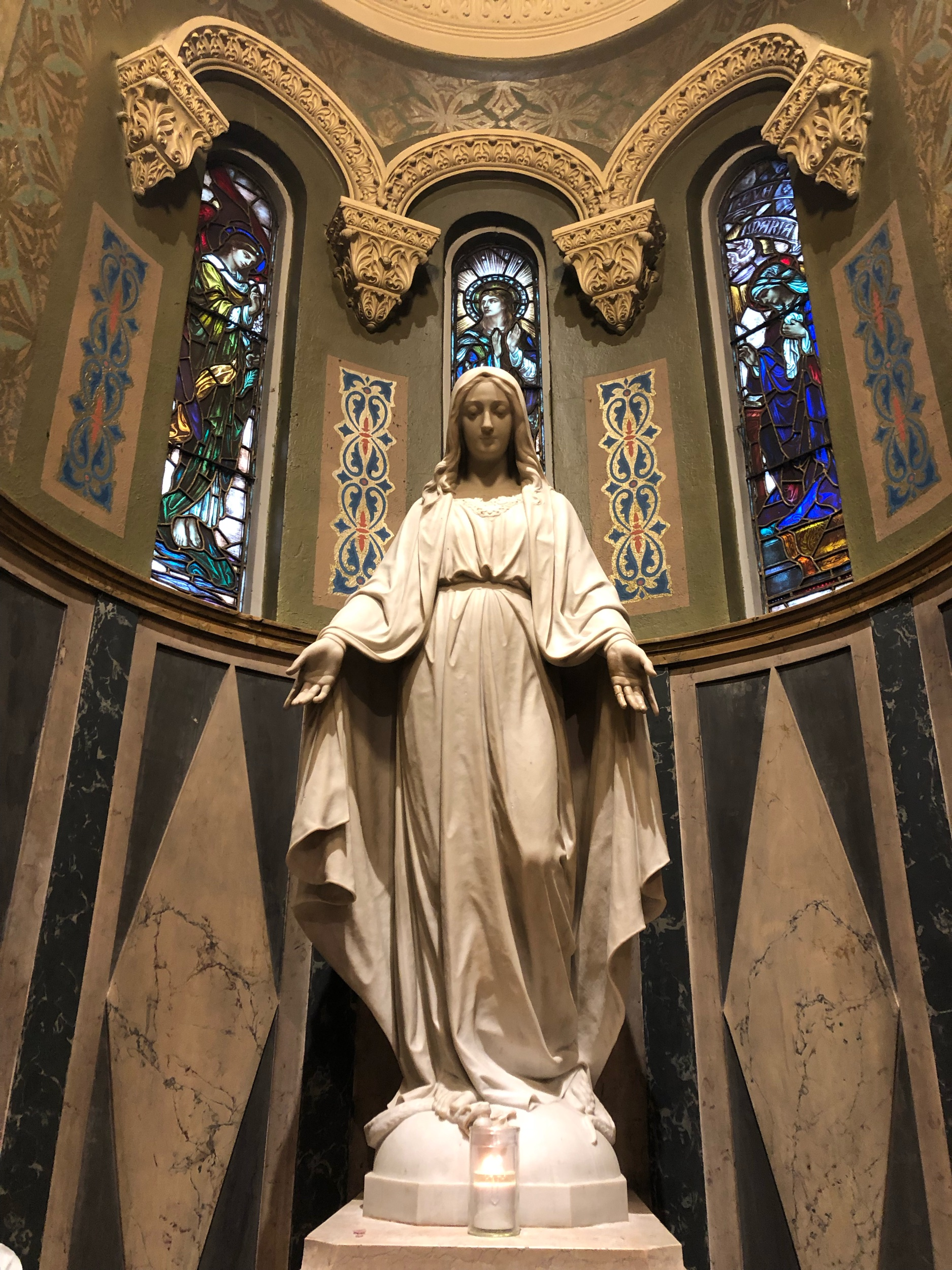 Statue of Mary at St. Clement Catholic Church in Chicago, IL.