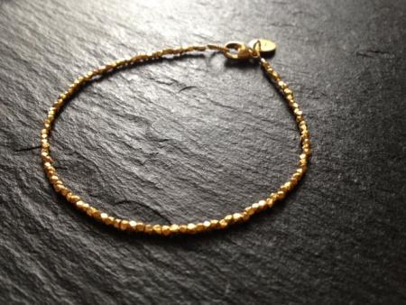feines-goldenes Armband-studiorosenrotes-etsy