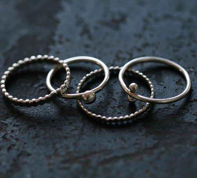 New rings from the bench💛 Ganz neue Ringchen direkt von der Werkbank🌟💍🔨 Ich wünsche Euch einen schönen Abend 🌇  #handmadewithlove #benchmade #etsyshopowner #etsyde #mitliebegemacht