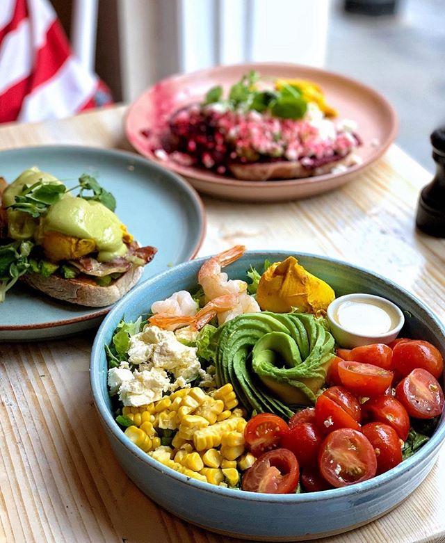 What's for brunch? 🤩 [📸: @half.full.belly ]  #Avobar #BeautifulSuperfood #Avobrunch