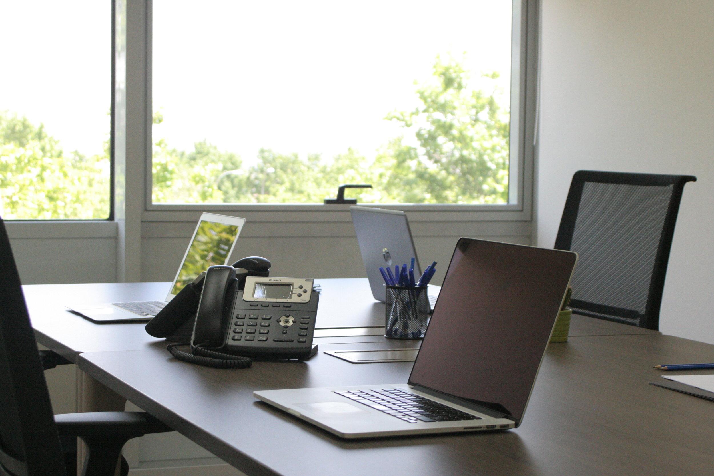 Vanguardia y diseño - Ponemos a tu disposición diferentes despachos y oficinas que se ajustan a lo que de verdad necesitas. Podrás disponer de un lugar de trabajo profesional y vanguardista.