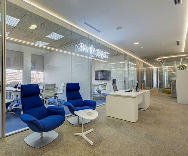 """💡""""Creo que es posible que la gente normal elija ser extraordinaria"""". - Elon Musk . . #bahíaspace #business #businesscenter #centrodenegocios #Madrid #coworking #coworkingmadrid #design #despachos #emprender"""